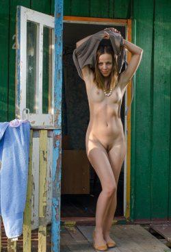 Стройная девушка из Орла ищет мужчину для секса без обязательств