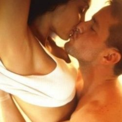Мы молодая и красивая пара, хотим секс втроём с молодой дамой в Орле